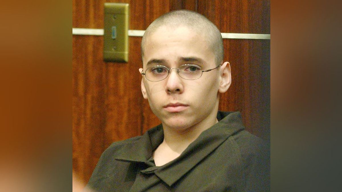 FILE - In this Monday, March 22, 2004 file photo, Michael Hernandez listens to his lawyer at...