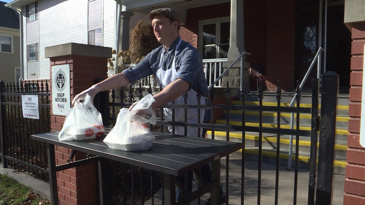 """Volunteers bring """"to-go"""" meals to Lincoln's homeless population. (Source: KOLN)"""