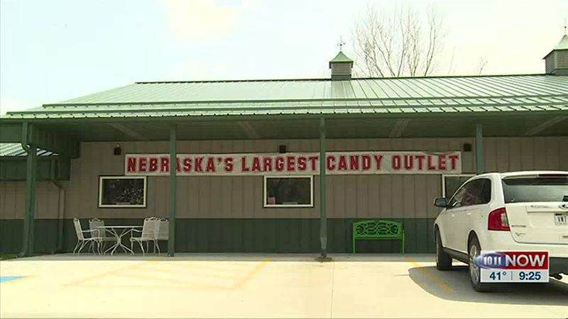 We learn why Baker's Candies decided to create a factory outlet store.