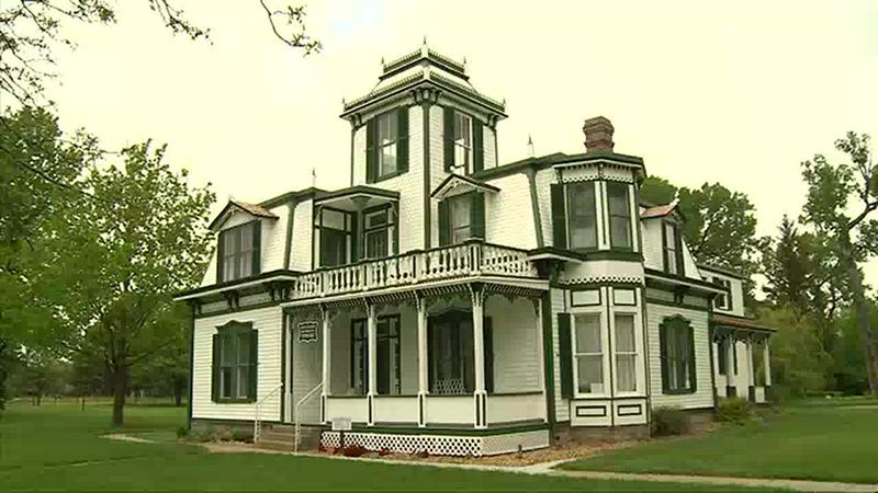 We learn more about the home of Buffalo Bill Cody.