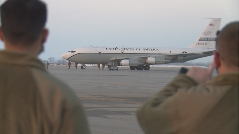 First Offutt plane lands at Lincoln Airport