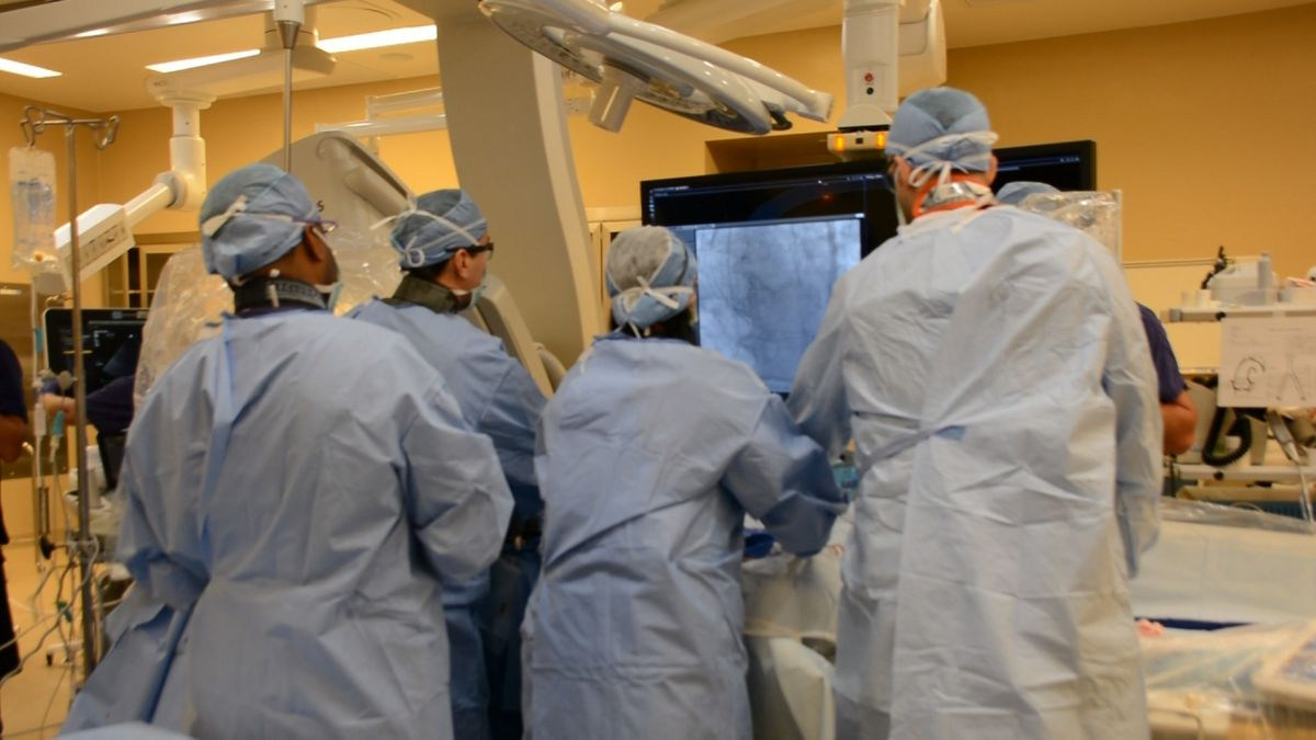 Cardiologists perform a TAVR procedure on a low risk patient. (Source: CHI Health Nebraska Heart)