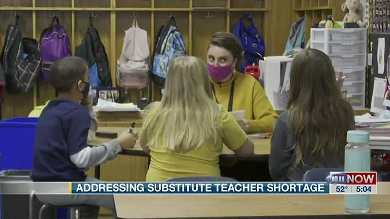 Lincoln Public Schools hires associate teachers to address sub shortage