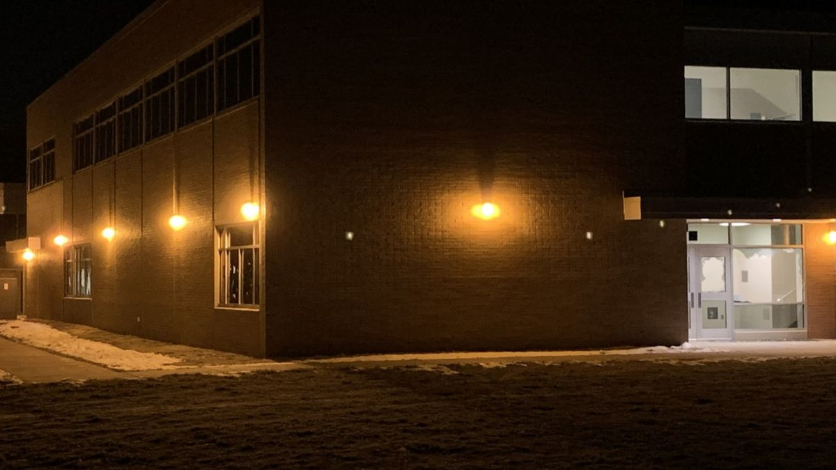 Lincoln Police say five juveniles damaged exterior windows at Culler Middle School Saturday...