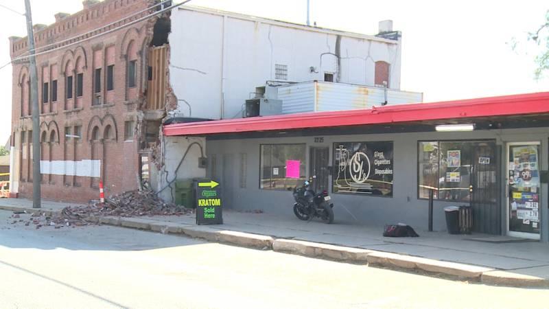 Former Amen's Liquor building has partial collapse