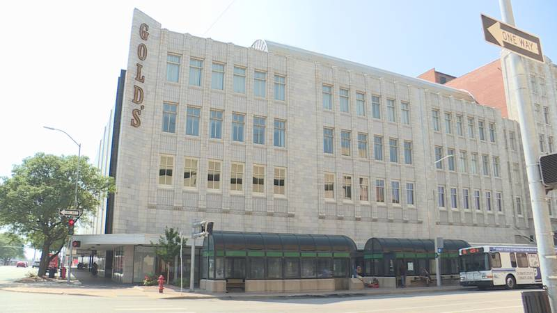 Gold's building owner plans to sell, potentially being demolished