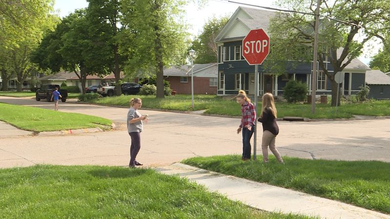 Seward 5th graders advocate for more stop signs