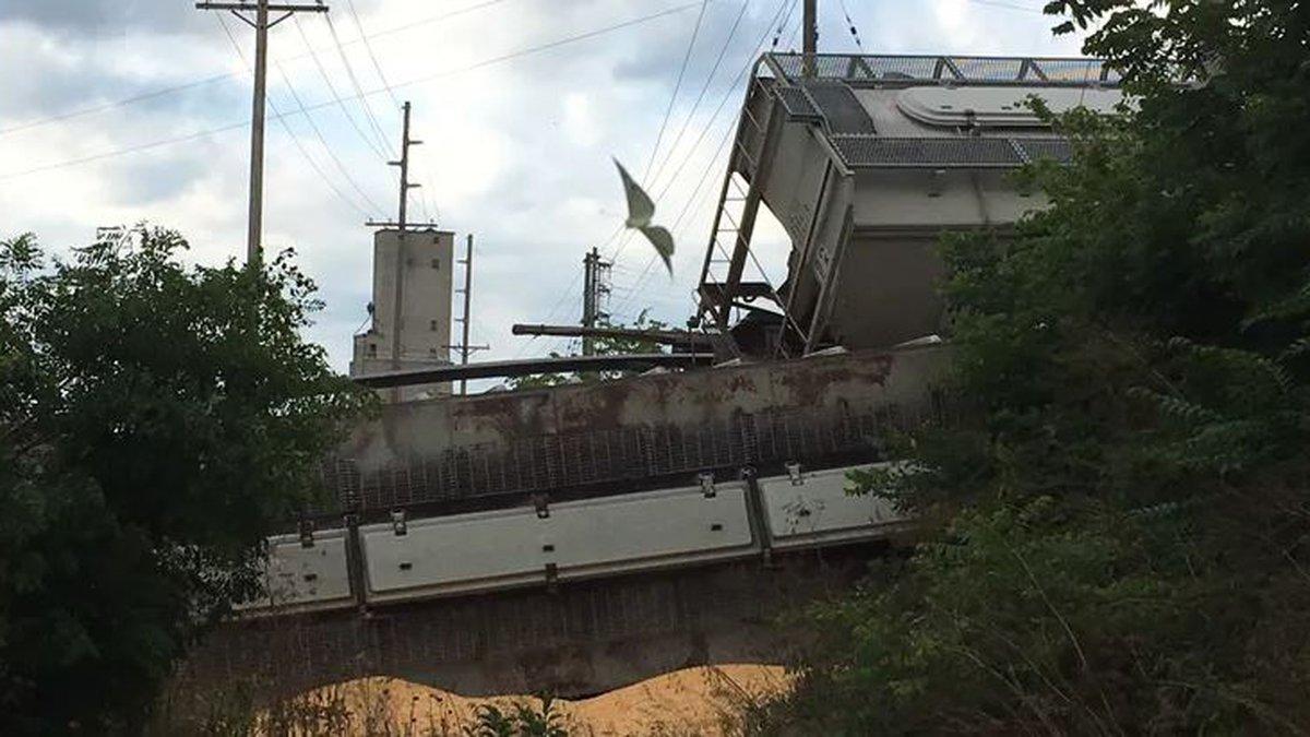 Bridge collapse derails several trains in Nebraska City (Source: News Channel Nebraska)