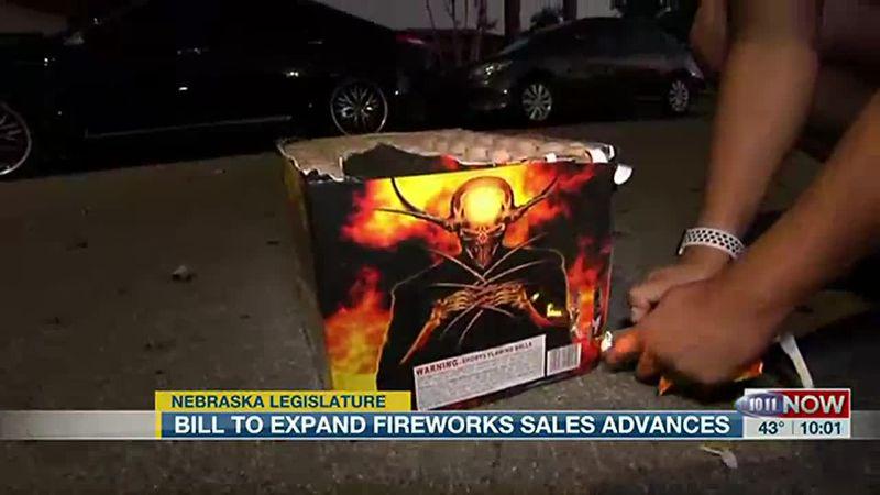 Expanded consumer firework bill advances.