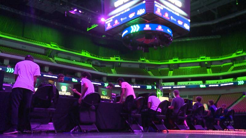 Esports makes CSG debut, attracts hundreds