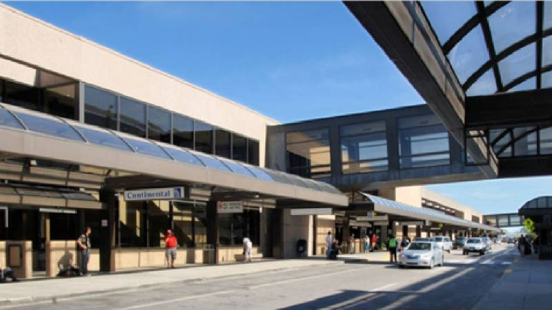 Omaha's Eppley Airfield entrance and passenger drop-off