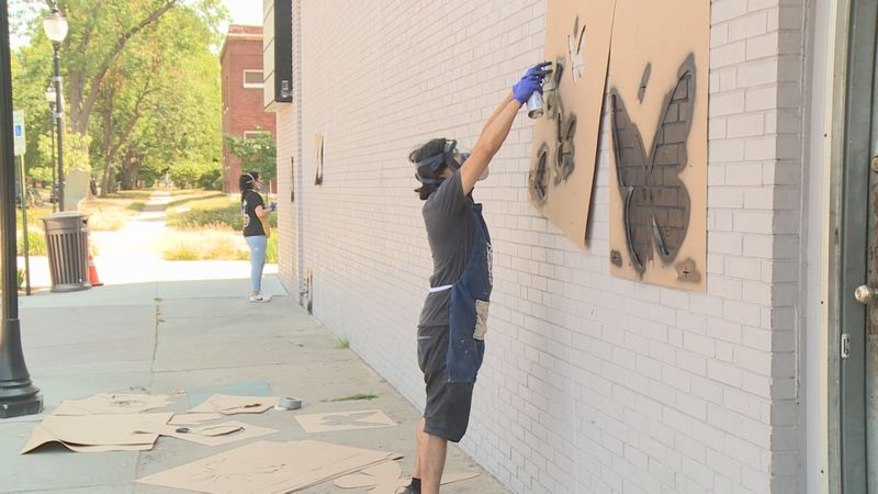 Lincoln man creating mural to honor deceased grandparents.