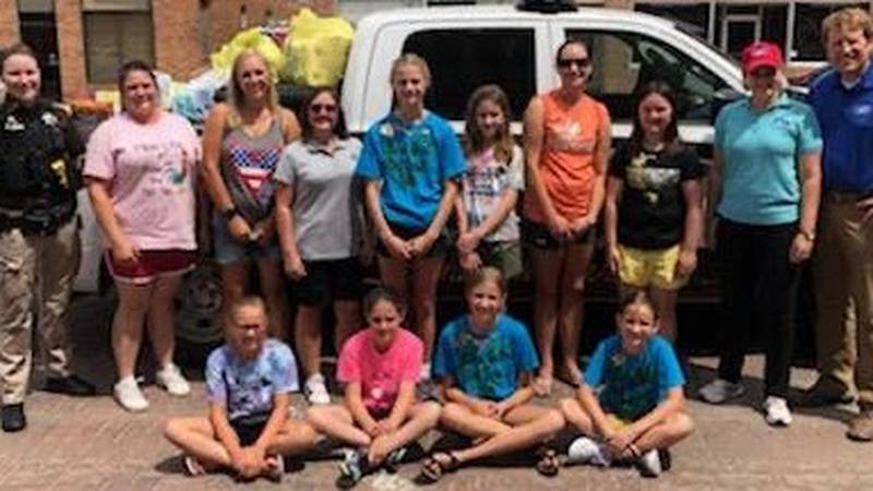 All the volunteers at the Can Care-a-Van in Hebron.