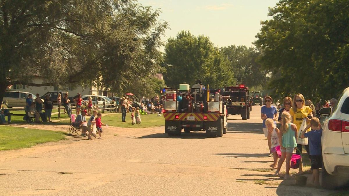 """Several families lined the edges of Third Street in Paxton to watch the """"Rockin'..."""